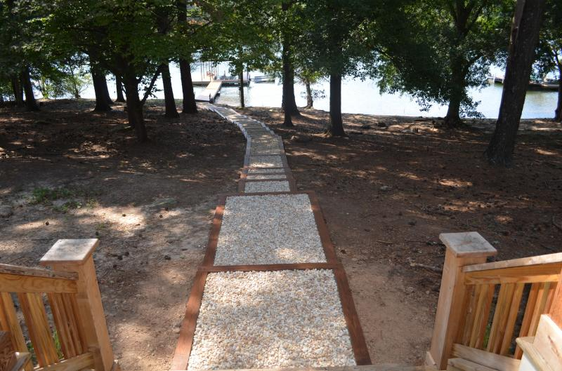 TN River Pebble Pathway
